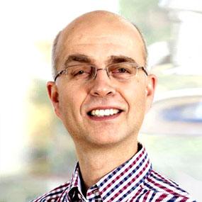 Dr. Christian L. Schwarzer